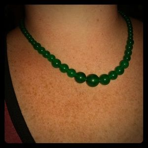 Jewelry - Genuine Green Jade graduated bead necklace